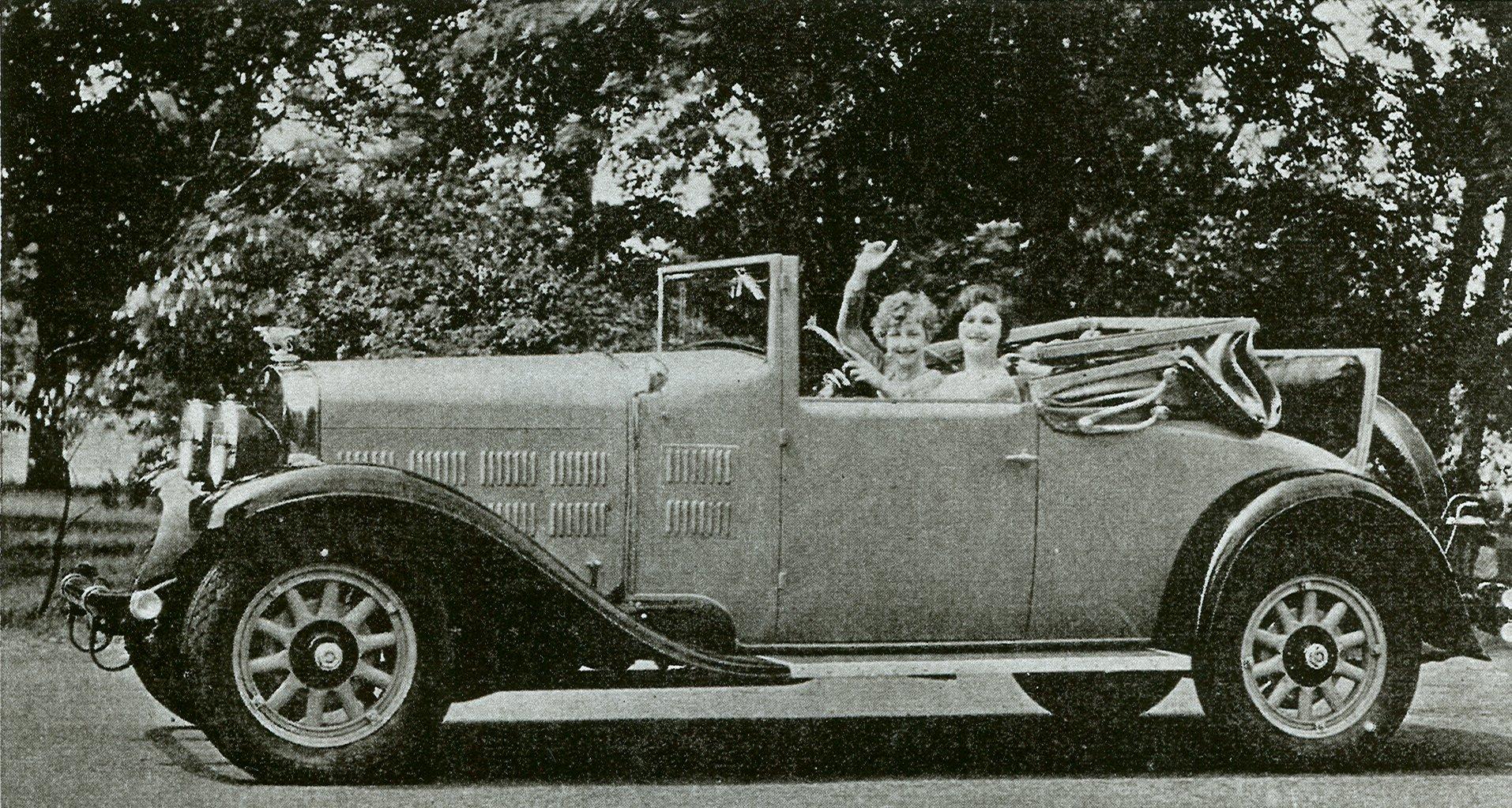 http://www.gardnermotorcars.com/images/1928_Custom-Coupe2-p.jpg